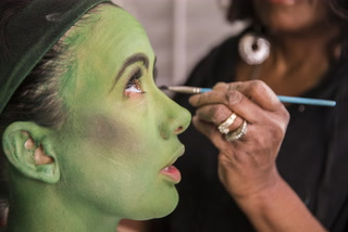 "How Elphaba In ""Wicked"" turns green – VIDEO"