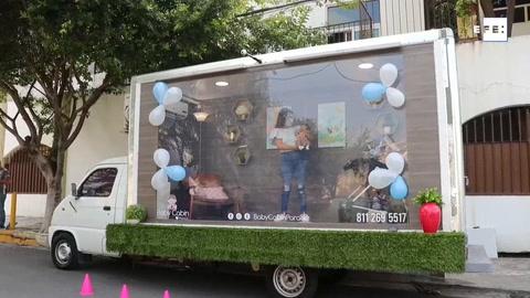 Cabina para presentar bebés nacidos durante la pandemia se populariza en México