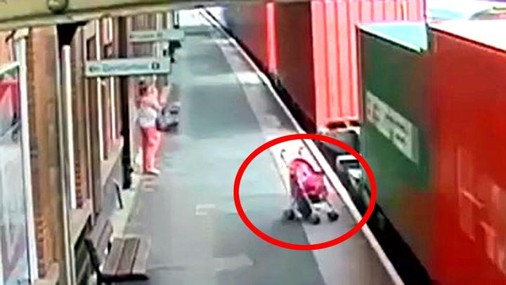 Moren enser ikke den løpske barnevognen