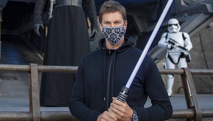 Tom Brady sigue la tradición y vuelve a Disney World