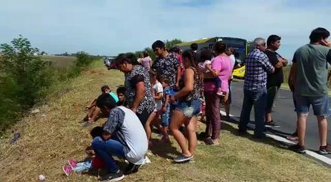 Emoción, tristeza y lágrimas en el homenaje a las víctimas de la tragedia de Monticas