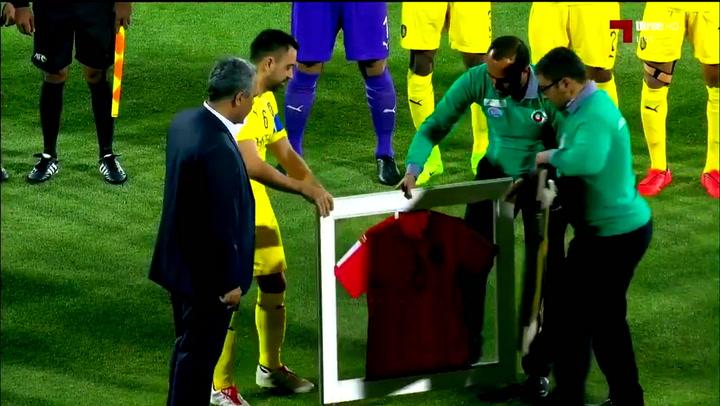 Así ha sido el homenaje a Xavi Hernández en su último partido profesional