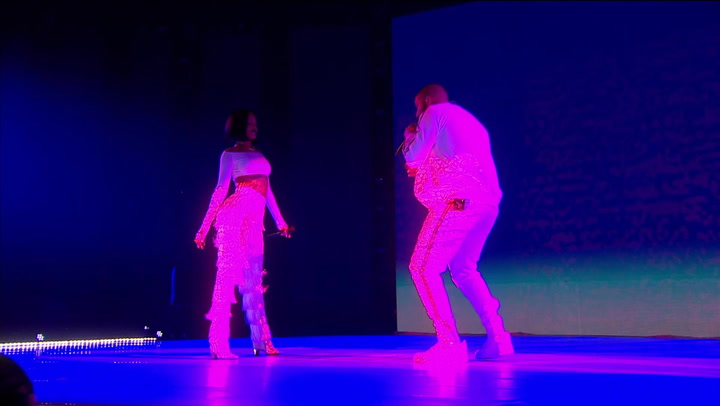 Rihanna and Drake Heat Up The BRITs 2016 With 'Work'
