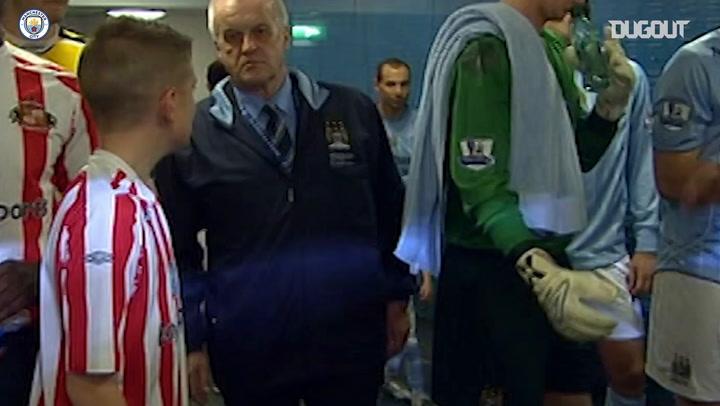 Cuando Foden acompañó a los jugadores del City en su salida al campo con siete años