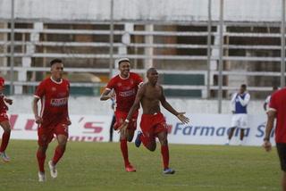Yaison Mejía anota el 1 - 0 de Real Sociedad ante Platense