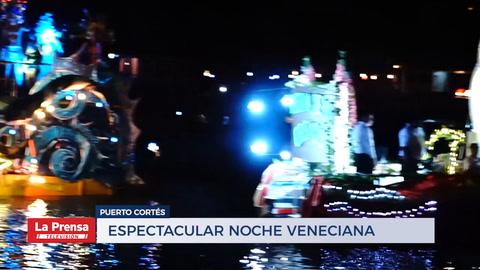 Espectacular noche veneciana en Puerto Cortés