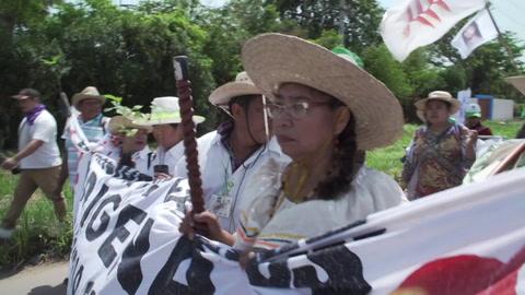En Bolivia los indígenas marchan contra la política medioambiental de Morales