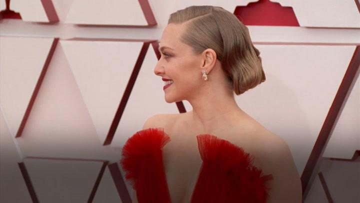 Stars dazzle on Oscars red carpet