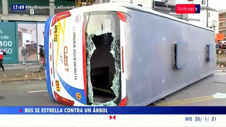 Jesús María: doce heridos dejó despiste y volcadura de bus en la avenida Brasil