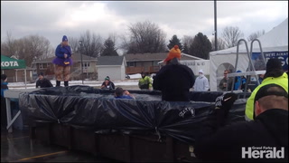 Polar plunge at Choice in Grand Forks