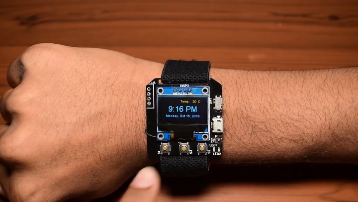 Forget the Apple Watch, an Incredible Teen DIY'ed His Own Wearable for $20
