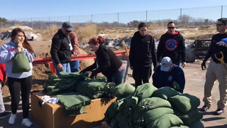 Volunteers fill sandbags March 19, 2019, at Treasure Island Resort and Casino in preparation for possible flooding on Prairie Island. River levels are forecasted to near flood stage early next week. Michael Brun / RiverTown Multimedia