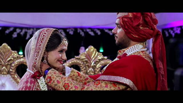 Swati + Nikunj | Rajkot, India | Classic Party Lawns