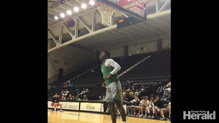 Slam dunk contest at UND's Basketball fan fest