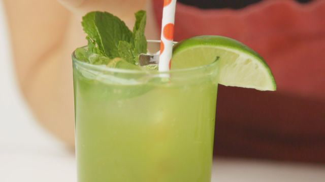 How To Concoct A Matcha-Mint Sparkler That Gets Glowing Reviews