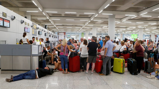 British travel firm Thomas Cook leaves hundreds of thousands stranded