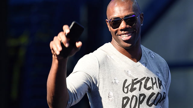 Shannon Sharpe explains why he is not happy about T.O. being kept out of the Hall of Fame