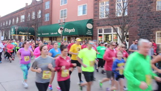 Runners flood downtown Duluth for Fitgers 5K