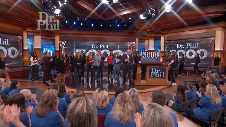 Dr. Phil Celebrates 3,000th Episode With Massive Cake