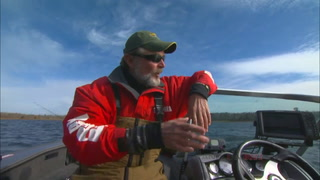 AnglingBuzz: Locate and Catch Big Walleyes in Fall