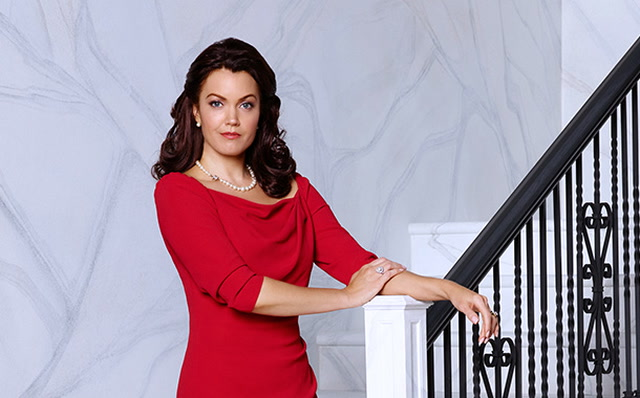 Scandal Vet Bellamy Young To Star In ABC's New Comedic Soap Pilot False Profits