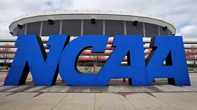 How California lawmakers are trying to allow college athletes to get paid