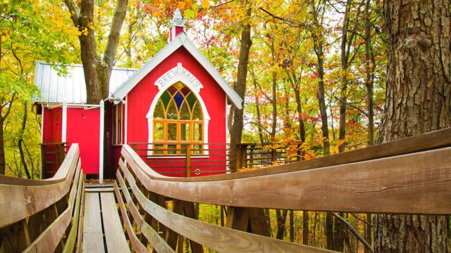 These 6 Luxury Tree Houses Will Give Your Childhood an Adult Upgrade