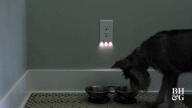 How to Install a Nightlight Outlet