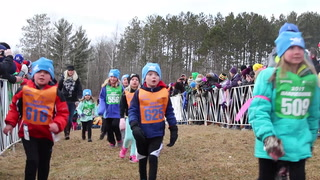 Washburn elementary students race in snowless Barnebirkie