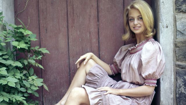 Goldie Hawn's Most Iconic Looks