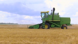 AgweekTV: Vintage equipment still rolling