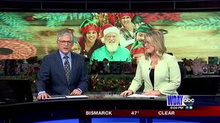 Santa Claus look alike turns heads in Jamestown  (1)