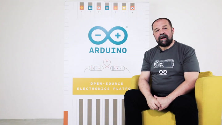 This Arduino Kit Comes With a Board and 16 Hours of Instruction