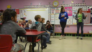 Ethan sophomores teach 1st graders sign language