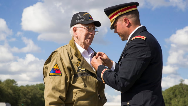 World War II veteran receives Bronze Star in surprise ceremony 74 years after tank duel