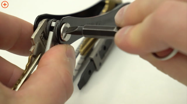 Assembling the KeySmart Key Holder