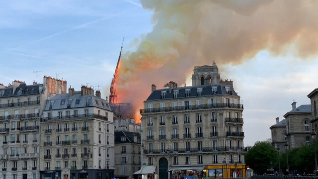Watch fiery collapse of Notre Dame Cathedral spire
