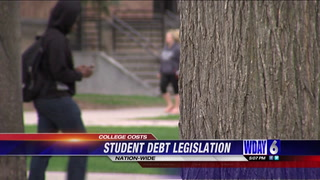 Minnesota senator pushes nation-wide student debt legislation