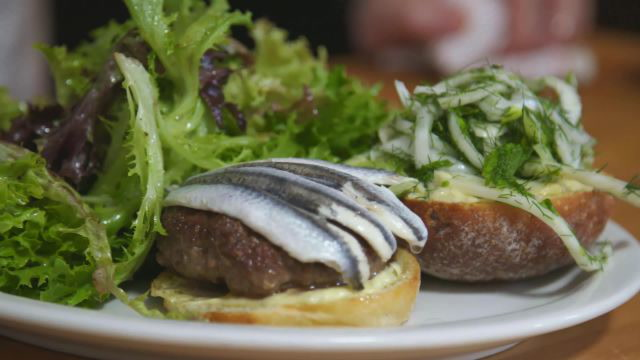 How to Make Hart's Lamb Burger   Cook Like a Pro