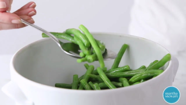 Microwave-Steamed Garlic Green Beans Video