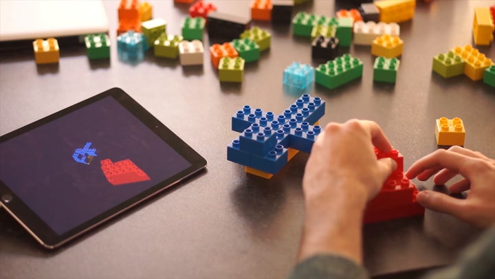 These Lego Automatically Save Your Designs As 3-D Schematics