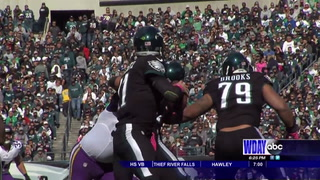Wentz hoping to get back on track against rival Cowboys