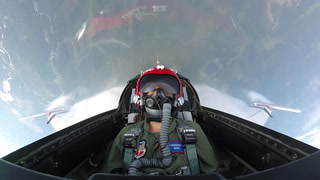 File video: Flying with the USAF Thunderbirds