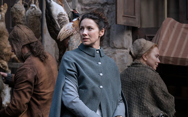 Outlander Season 3 Photos From Starz Show Things Heating Up For Main Characters
