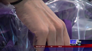 Sheyenne HS students get suicide awareness bracelets