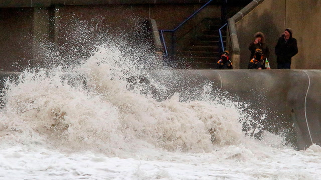 Storm Dennis slams U.K., Ireland with high winds and waves