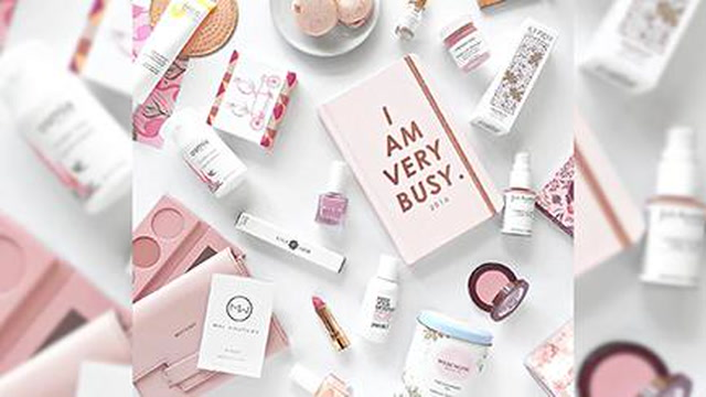 The Best Beauty Sample Subscription Boxes for Travel