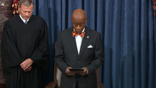 Senate chaplain mentions Bryant and his daughter in prayer ahead of impeachment