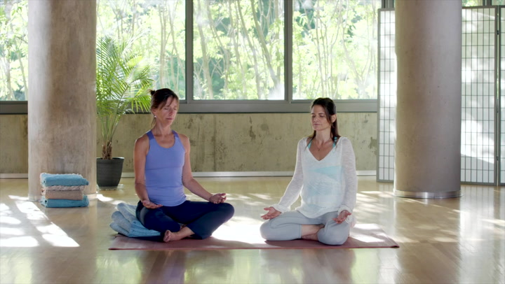 A Short Mantra Practice to Stay Open and Grounded