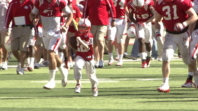 7-year-old Jack Hoffman scores a 69-yard touchdown